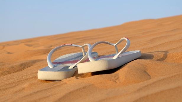chanclas arena vacaciones